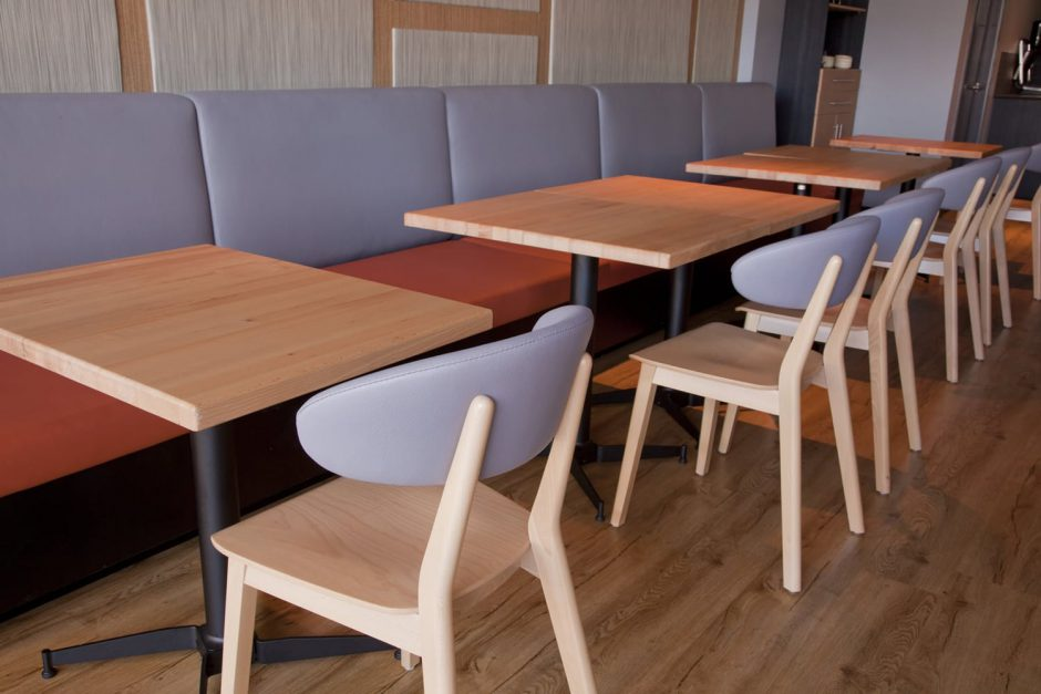 Spritz Spizzicheria - indoor dining featuring NOROCK Parkway self-stabilising table bases