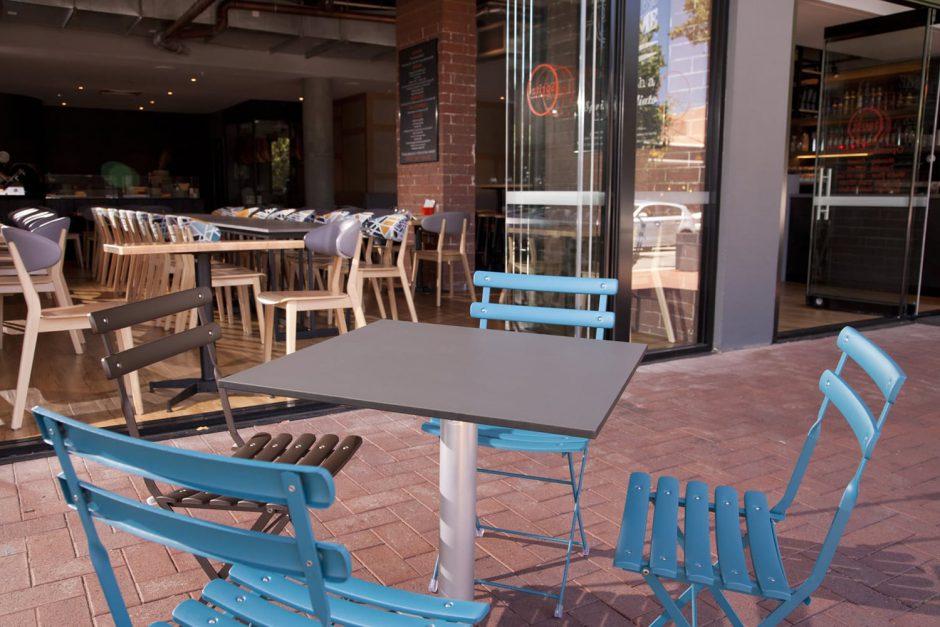 Spritz Spizzicheria - outdoor bar featuring NOROCK Terrace self-stabilising table bases