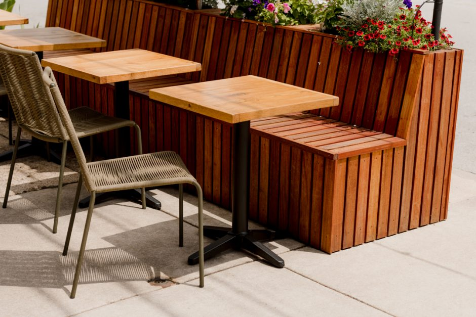Alfresco dining: NOROCK Trail Self-Stabilising Table Bases